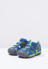 Keen - SEACAMP II CNX - Sandały trekkingowe - true blue/jasmine green - 2