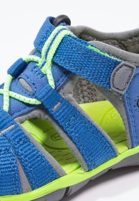 Keen - SEACAMP II CNX - Sandały trekkingowe - true blue/jasmine green - 5