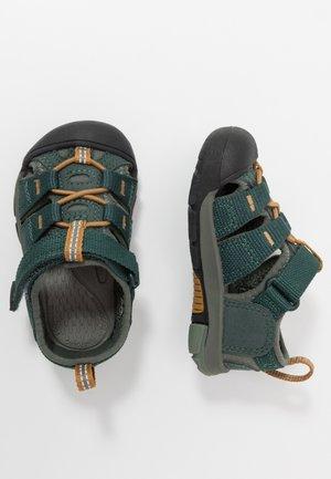 NEWPORT H2 - Chodecké sandály - green gables/wood thrush