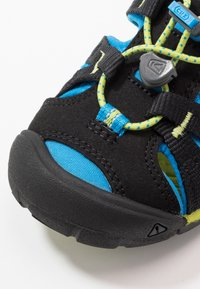 Keen - SEACAMP II CNX - Outdoorsandalen - black/brilliant blue - 2