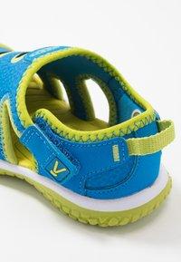 Keen - STINGRAY - Boty na vodní sporty - brilliant blue/chartreuse - 2