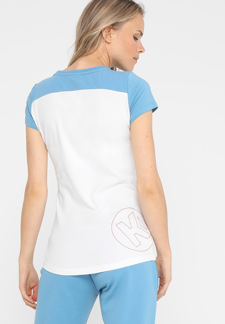 Kempa EBBE FLUT WOMEN - T-shirt imprimé weiß/dove blau