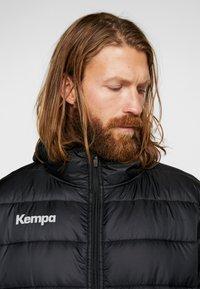 Kempa - PUFFER HOOD JACKET - Outdoor jakke - schwarz - 3