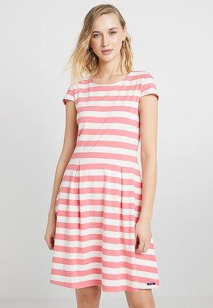 ANNBRITT - Denní šaty - pink lemonade / pearl