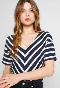 Sea Ranch - NOVA - Print T-shirt - navy/pearl - 4