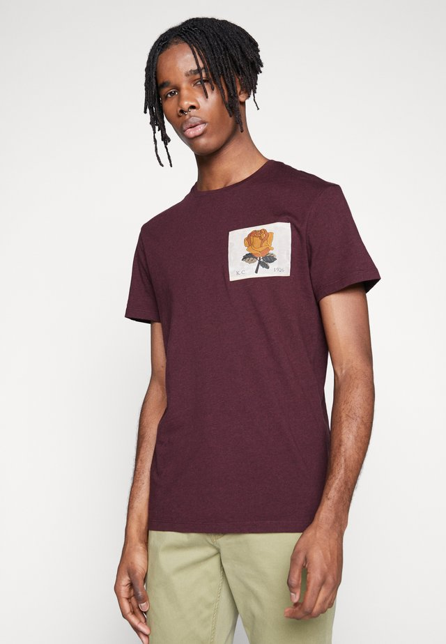 BLACHFORD - T-shirt med print - burgundy