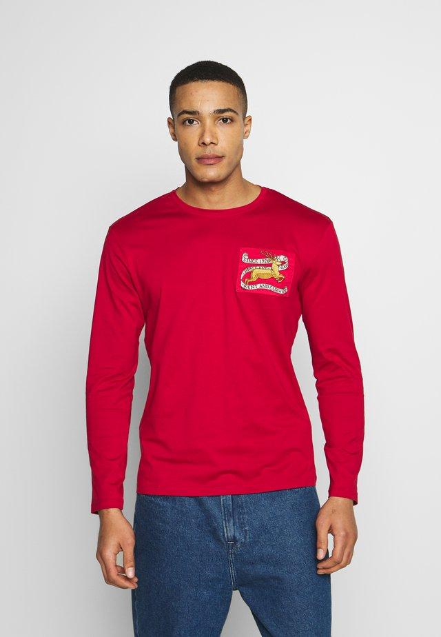 KINGSMAN - T-shirt med print - bright red