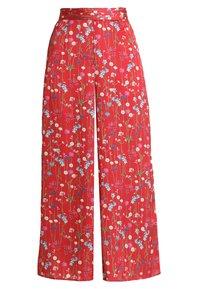 Keepsake - HOLD BACK PANT - Pantalon classique - scarlet - 3