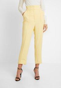Keepsake - THE FALL PANT - Pantalon classique - lemon - 0