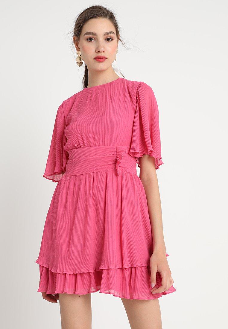 Keepsake - NIGHT FALL DRESS - Freizeitkleid - pop pink
