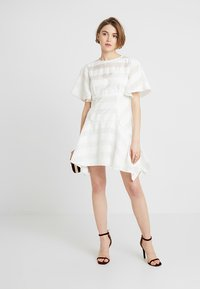 Keepsake - UNBROKEN DRESS - Cocktail dress / Party dress - ivory - 1