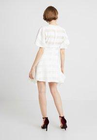 Keepsake - UNBROKEN DRESS - Cocktail dress / Party dress - ivory - 2