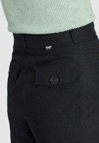 khujo - NITE - Pantalones - black - 5