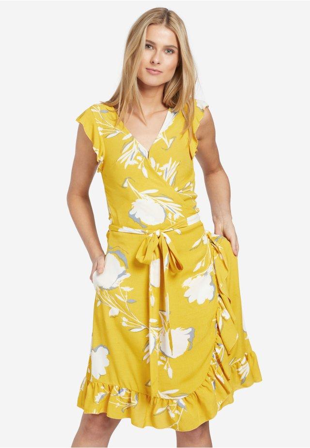 EMERY - Korte jurk - yellow