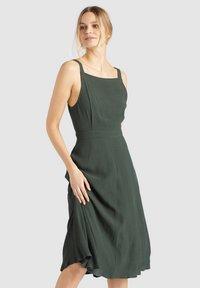 khujo - CHAVA - Day dress - dark green - 0