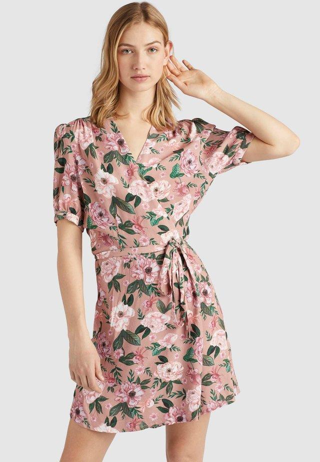 FROMMET - Korte jurk - pink