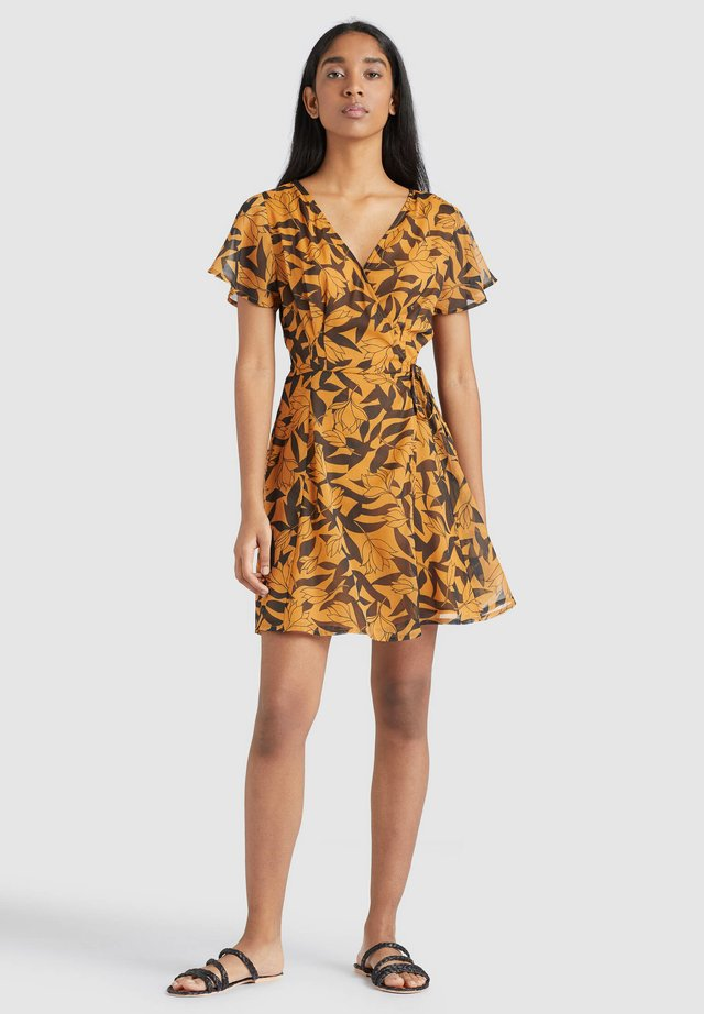 VARVARA - Sukienka letnia - orange/black