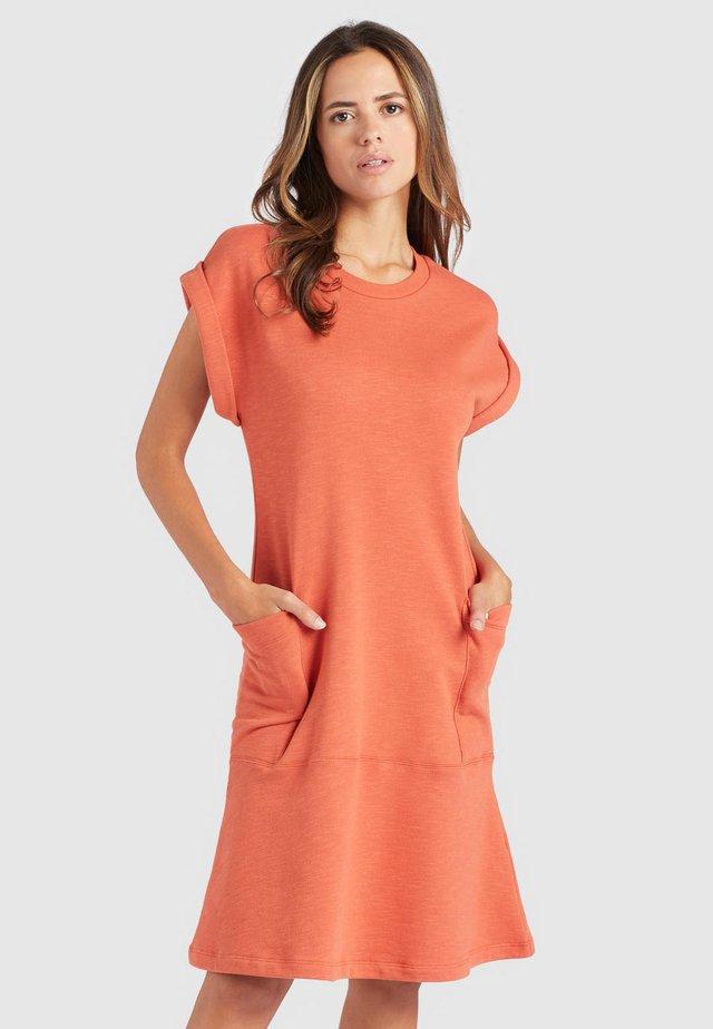 SVETLANA - Korte jurk - washed mecca orange