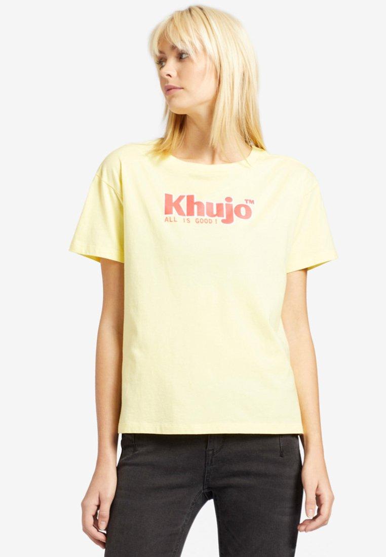 khujo - MARLENIA LOGO - T-shirts print - yellow