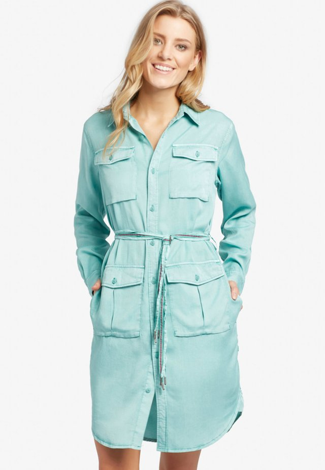 LEANNA - Shirt dress - green