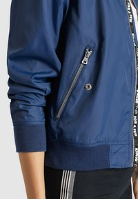 khujo - KALIA - Bomber Jacket - blue denim - 4