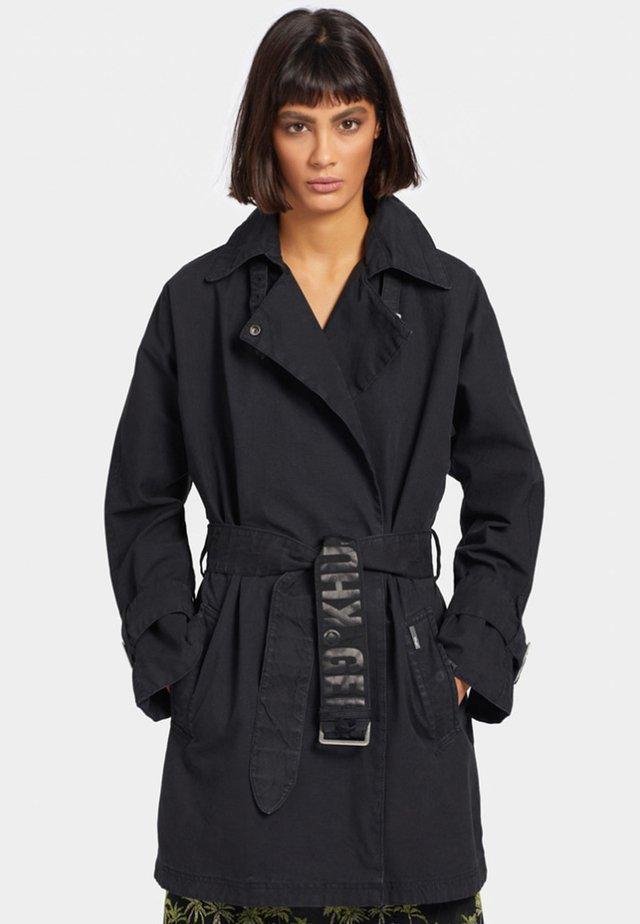 LUCILLE - Trenchcoat - black