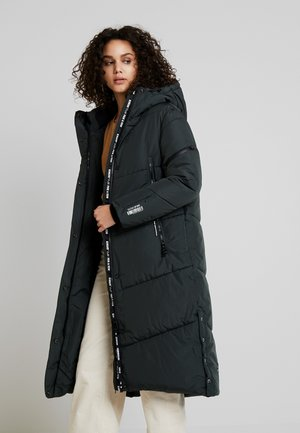Winter coat - forest green