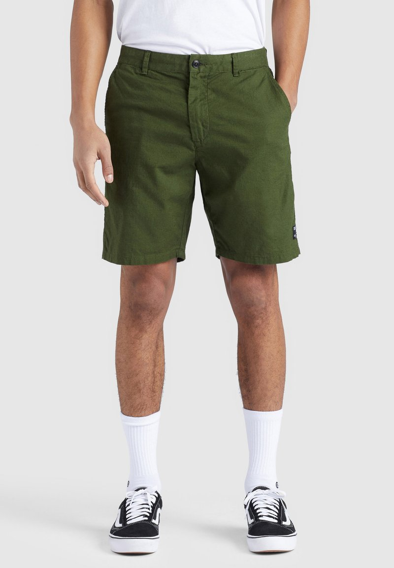 khujo - AIAS - Shorts - olive