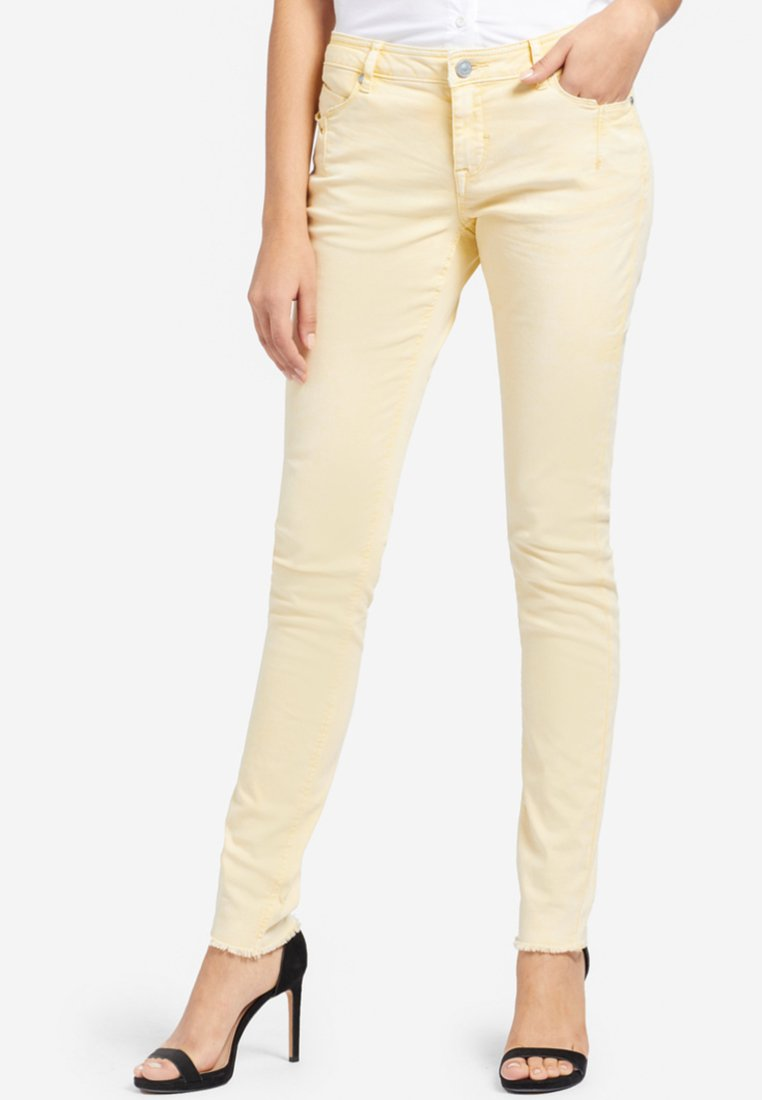 khujo - EMBER WASHED COLORED - Jeans Skinny - yellow