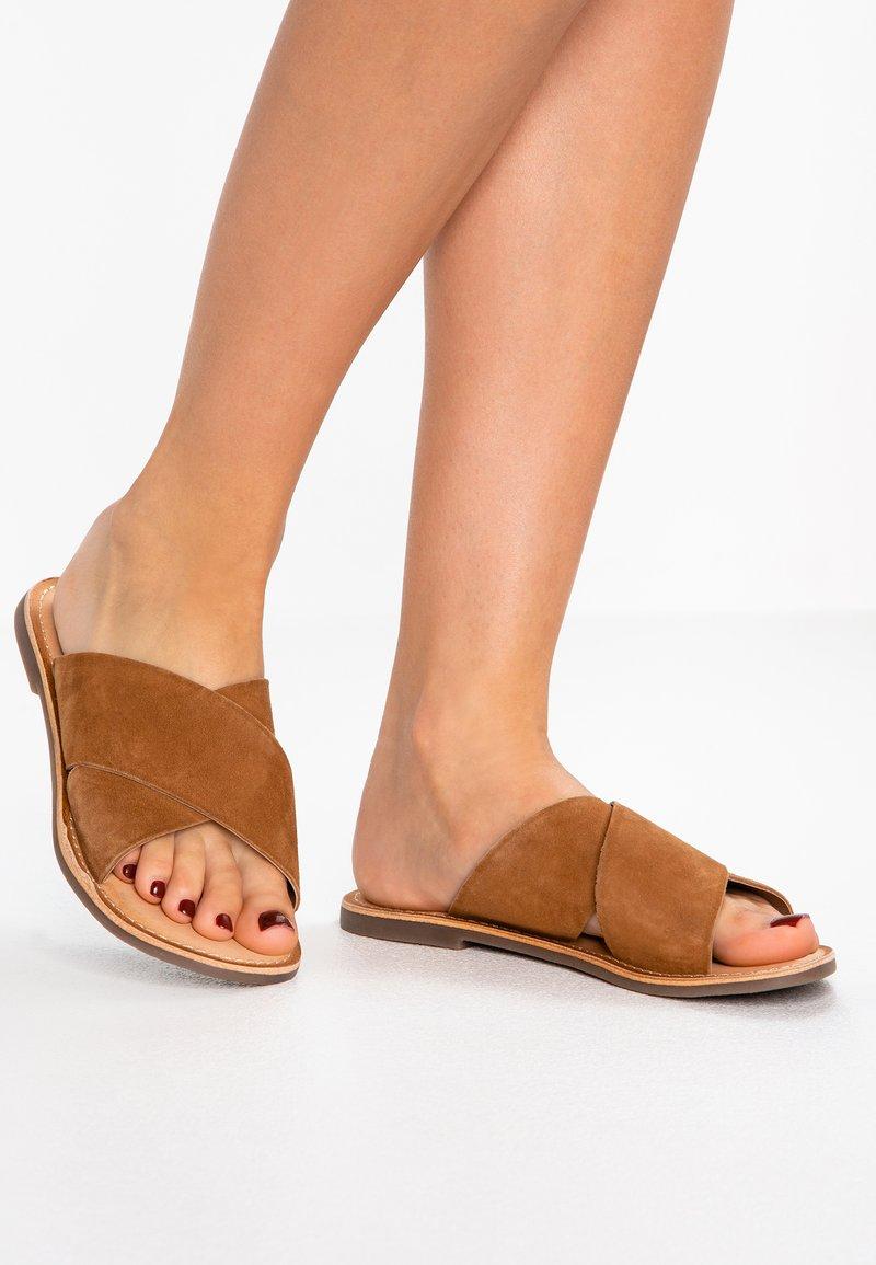 Kickers - DIAZ - Ciabattine - camel