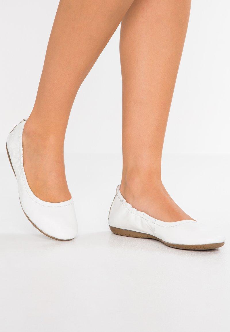 Kickers - RABAT - Ballerina - blanc