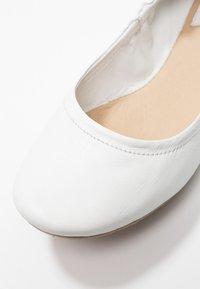 Kickers - RABAT - Ballerina - blanc - 2