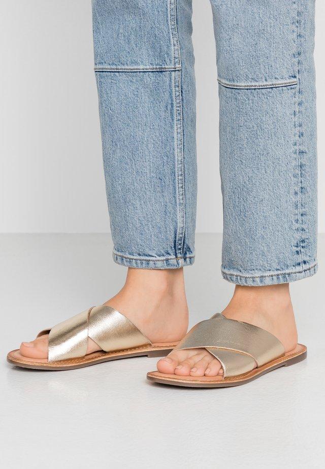 DIAZ - Pantolette flach - or