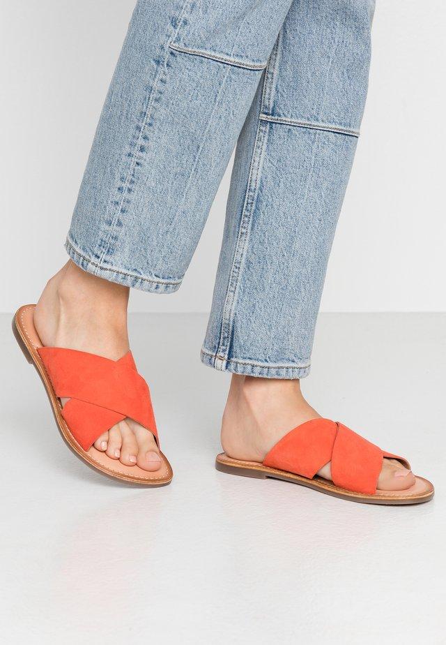 DIAZ - Mules - orange