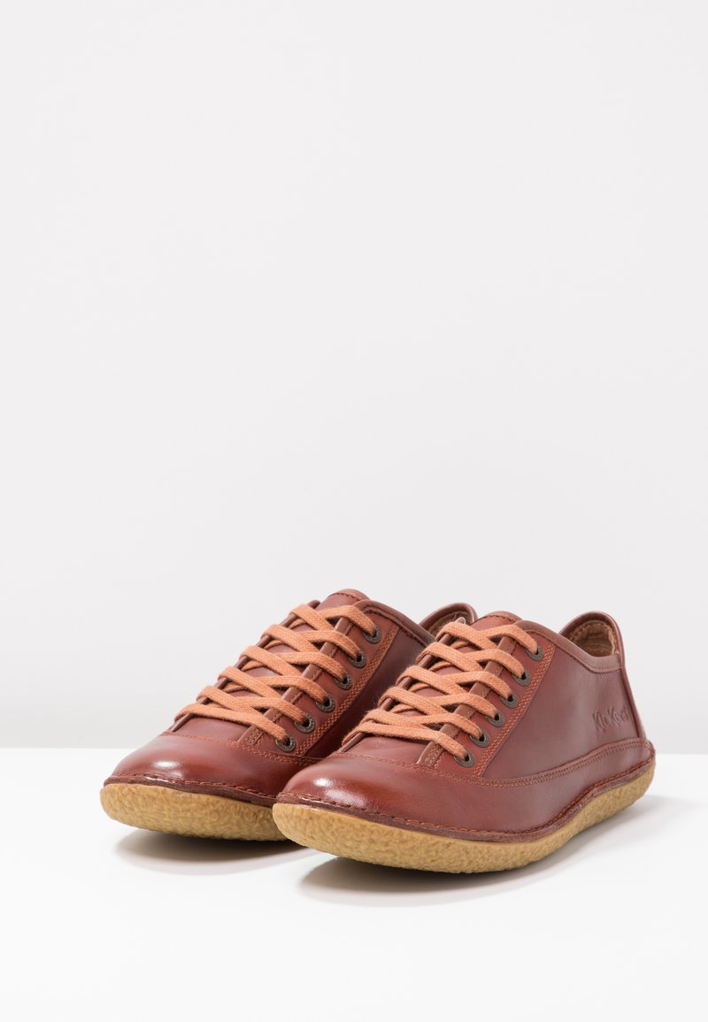 HollydayChaussures Lacets À À HollydayChaussures Kamel Kickers Lacets Kickers wm8Nn0