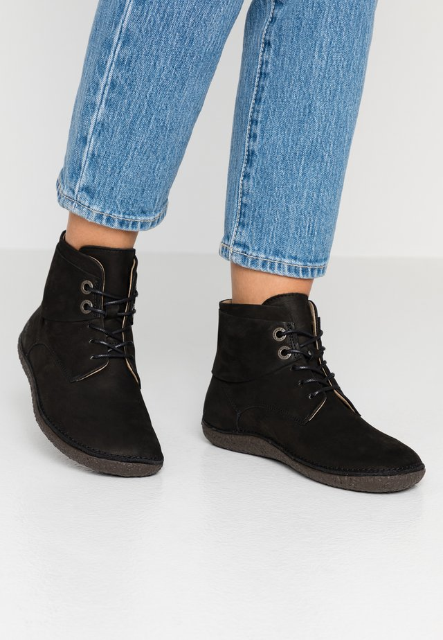HOBBYTWO - Ankle boots - noir
