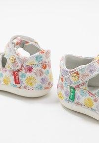 Kickers - SUSHY - Baby shoes - multicolor - 6