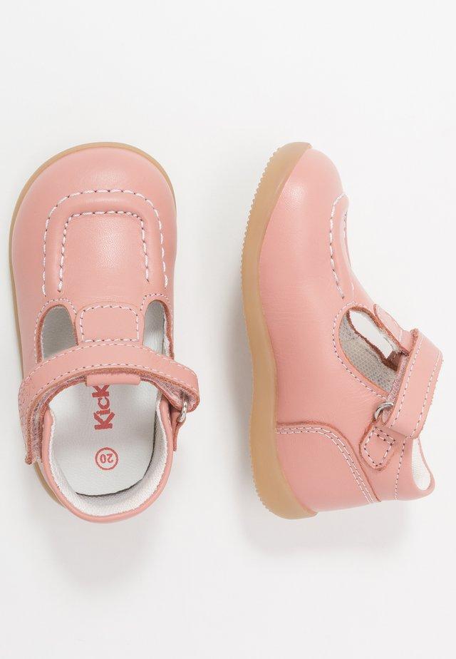 BONIFLY - Lær-at-gå-sko - rose clair