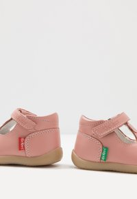 Kickers - BONIFLY - Baby shoes - rose clair - 6