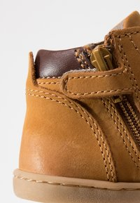 Kickers - TACKLAND - Dětské boty - camel/marron - 2