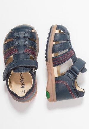 PLATIBACK - Sandaalit nilkkaremmillä - dark blue