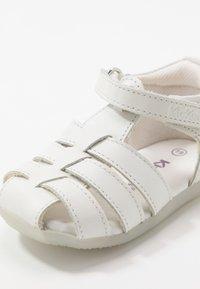 Kickers - BIGFLO - Dětské boty - blanc - 5