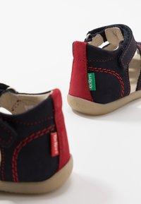 Kickers - BIGBAZAR - Vauvan kengät - marine/rouge - 6