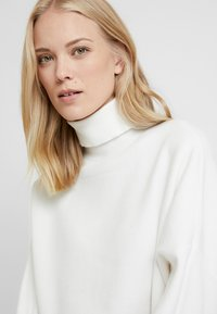 KIOMI TALL - Jumper - off-white - 4