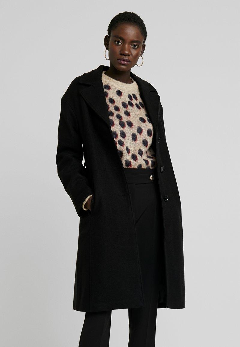 KIOMI TALL - Zimní kabát - black