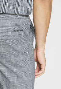 Kings Will Dream - FLICK CHECK - Shorts - grey - 3