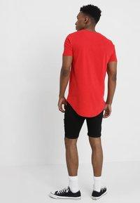Kings Will Dream - TRAVIS - T-shirt imprimé - rose red - 2