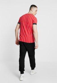 Kings Will Dream - T-shirt med print - red/white - 2