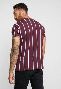 Kings Will Dream - T-shirt con stampa - burgundy/white/navy - 2