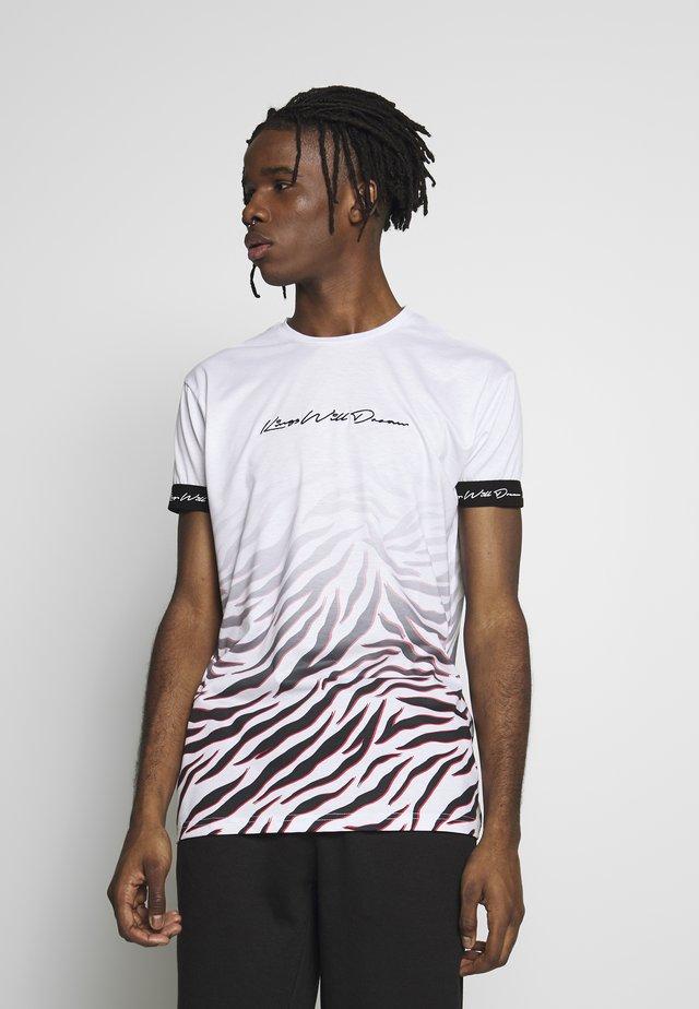 KAYDON WITH FADE ZEBRA - T-shirt con stampa - white